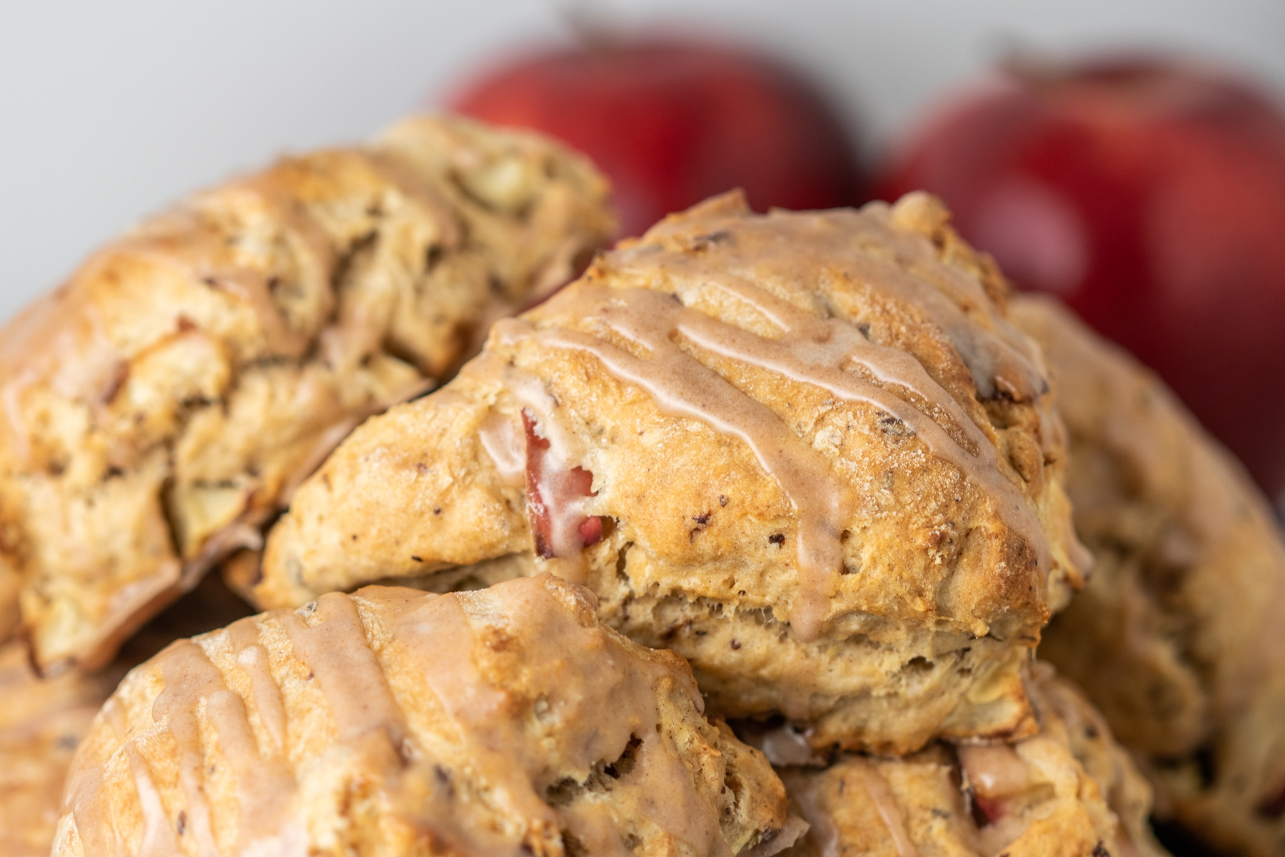 Vegan Apple Cinnamon Scones